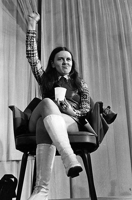 bernadette devlin Susan devlinsusan devlin peard (born 1931) is a former badminton player who represented both the usa and ireland in international competition  frank devlin, an irish badminton great, who moved his family to the united states in the late 1930s.