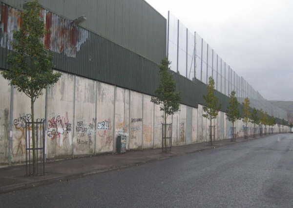 Cupar Way Wall – before the Re-Imaging Programme